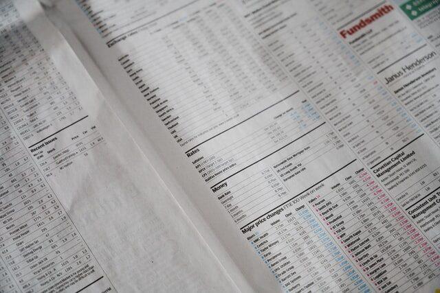 Dematerializacja akcji obowiązki spółek walne zgromadzenie akcjonariuszy uchwała prawnik specjalista odprawa spółek zRzeszowa Podkarpacie adwokat attorney stock exchange